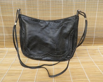 Vintage Lady's Medium Size Black Leather Hand Bag Purse Shoulder Strap