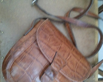 CROC    ///   Leather Ann Taylor Purse