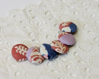 Fabric Covered Buttons, Vintage Patchwork Quilt Top Feedsack Fabric Covered Buttons, Handmade Nostalgic Embellishments itsyourcountry