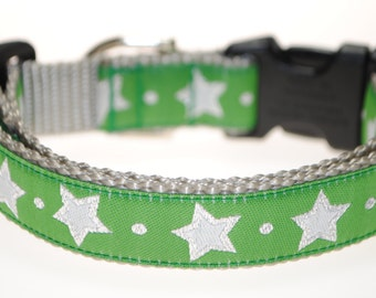"Stars on Green - 3/4"" Adjustable Dog Collar"