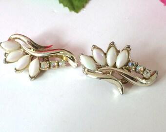 White Rhinestone Clip On Earrings Bridal Fashion Vintage Style Retro Jewelry