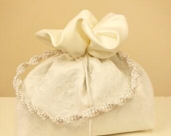 Small Wedding Purse Wristlet. Little White Silk Lace Festive Handbag.