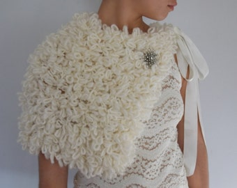 Cream Knit Capelet, Bridal Shawl, Ivory Wedding Cape, Faux Fur Shearling Cape, Bridal Capelet, Silk Ribbon, Versatile, Art Deco Style