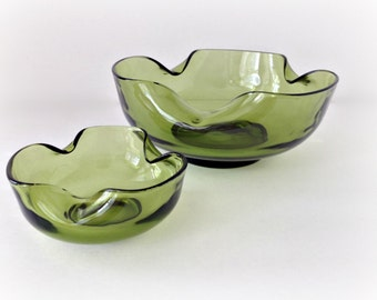 1970s Retro Avocado Green Glass Serving Bowls Wavy Glass
