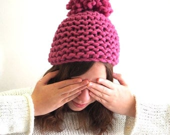 Easy beginnner's knitting pattern - Big Pompom Hat