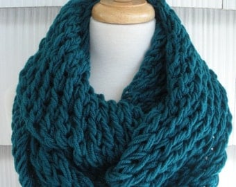 Womens Scarf Hand Knit Scarf Cowl Winter Fashion Accessories Women Infinity Scarf in Teal by creationsbyellyn