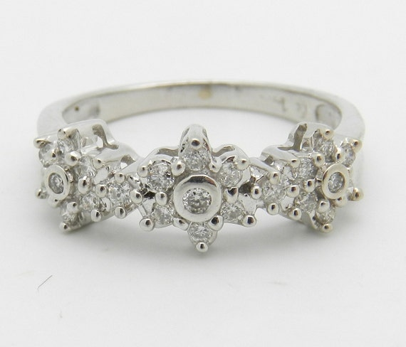 SALE 14K White Gold Diamond Flower Wedding Ring Anniversary Band Size 6.5 Appraisal