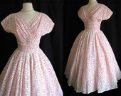 True Vintage 1950s Dress Pink Cupcake Party Dress - White Chantilly Lace Tulle w/ Full Circle Skirt - Medium