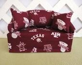 Texas A&M Aggies Tissue Box Cover in Sofa Shape, Burgundy and White