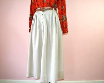 Preppy Khaki Full Skirt.  A Line Button Front.  L L Bean.  Fall Fashion. Size Medium - VDS108