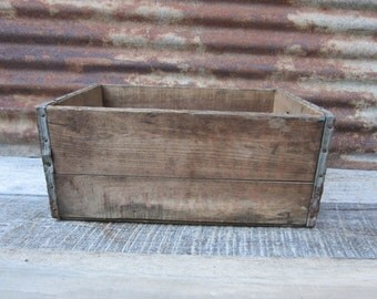 Distressed Antique Wood Box Container Primitive Wooden Box Shipping Farm Storage Display Organizer Desk Office Fresh Barn Pick Old vtg Box