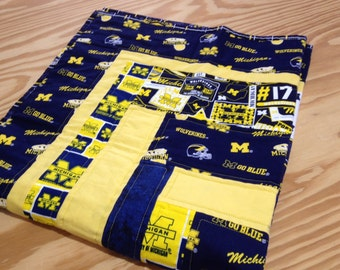Now Reduced 5 00 Wolverines U Of Michigan Quilt Throw