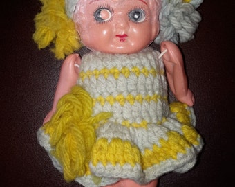 """Vintage Soft Plastic talcum powder shaker doll jointed arms fixed frozen legs knit dress & hat 6"""" girl"""