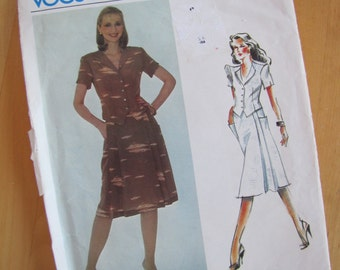 Uncut Vintage Vogue Sewing Pattern 2524 - Bill Kaiserman - Misses Top and Skirt - Size 12