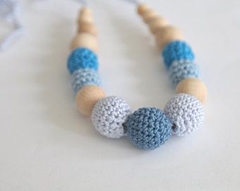 Blue and light blue nursing necklace. Wooden and coton crochet teething necklace.