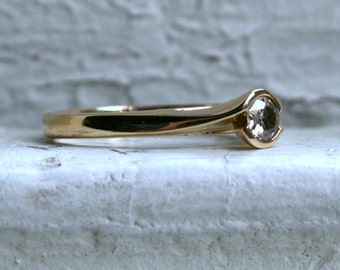 Vintage 9K Yellow Gold Diamond Solitaire Engagement Ring - 0.38ct.