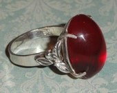 Sterling Silver Hallmarked Stamped SS Red Oval Domed Glass Cabochon Leaf Size 6 1/2 RING