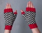Black Lodge fingerless gloves, chevron pattern, handmade, women size M/L, mens size: M, twin peaks inspired, wool
