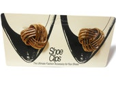 Latique Shoe Clips, ShoeClip, bronze copper infinity knot, sweater or dress clip 1980s, new old stock on card