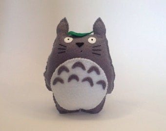 Totoro -  Cute soft felt plush toy - Japanese animated collectable