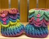 Pastel rainbow colored crocodile stitch booties 3-6 months