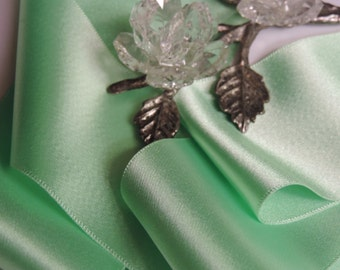 "Vintage 1940's  2  &  3/8"" Wide Beautiful Victorian French Mint Rayon Ribbon Trim Woven Edge"