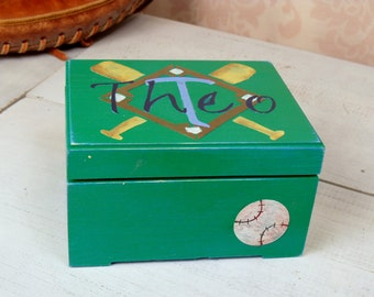 Baseball Trinket Box, Keepsake  for Boys, Memory Box, Sports Box, Gift for Boys, Shabby Chic, Personalized Storage Box - Baseball, RB/TR
