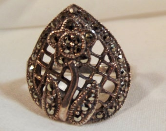 Ring Vintage Sterling Silver Marcasite Floral Pearl Shaped 925 with Makers Mark Incredible Detail Nice Weight and Beautifully Made Classic
