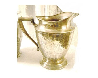 Vintage 1930s T & T Hammered Silver Silverplate Water Pitcher / Country French Prairie Farmhouse Bungalow / Wedding Decor