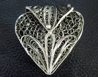 Heart locket pendant, vintage silver tone filigree heart box locket pendant, romantic heart gift for her