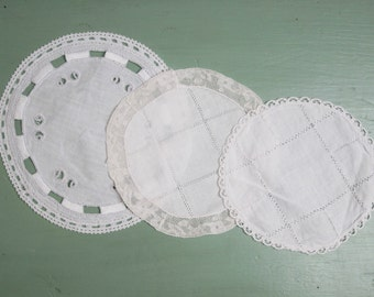 16 vintage french doilies Cotton 1930