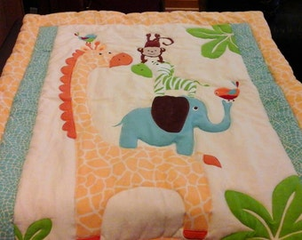 Large Giraffe and Friends Quilt