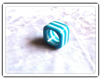Unique Lucite Ring -  Square Vintage in Turquoise and White - R1941a-060514000