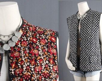 Red Vest Indian Print Quilted reversible sleeveless jacket cream boho waistcoat bohemian jacket gypsy indian women size M medium