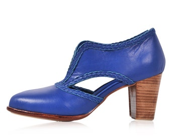 SPIRIT WALKER. Leather booties  / women shoes / women booties / vintage booties / blue. Sizes 35-43. Available in different leather colors.