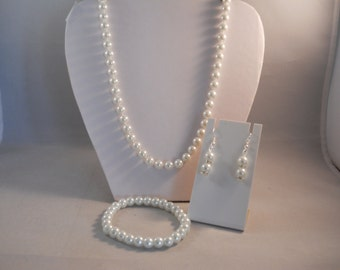 8mm White Pearl Necklace with Matching Stretch Bracelet and Earrings