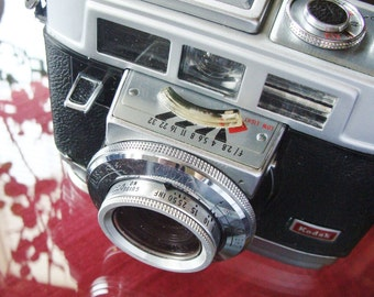 Vintage Retro Kodak Motormatic 35F Camera with Brown Leather Case