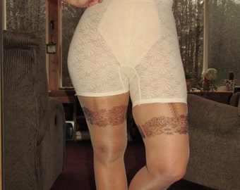 Vintage lingerie, vintage cream colored all lace panty girdle size large in like new condition