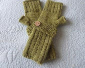 Hand knit  ladies green tweed fingerless gloves