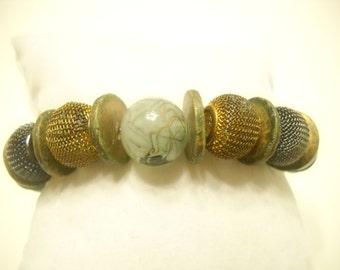 Vintage Plastic And Mesh Stretch Bracelet (2212)