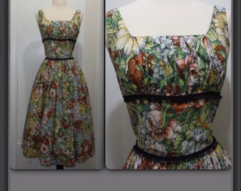 Vintage 1950s Floral Print Cotton Dress / Adrian Tabin / Size Small
