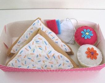 Sweets Felt Pretend Play Food Set, cupcakes, teabags