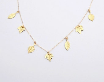 Golden leaves charm necklace