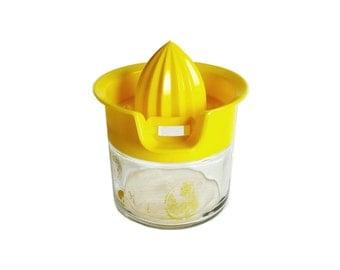 Vintage Gemco Glass Bottom Hand Citrus Juicer