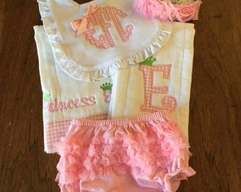 Personalized Baby Girls GIFT SET  Burp cloths, Bib- Ruffle diaper cover- Flower headband- baby pink Monogram- So sweet.