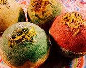 Awaken Your Instincts with Nature Organic Detox Bath Bomb with Witch Hazel Root Powder,Green Tea, and Calendula Petals