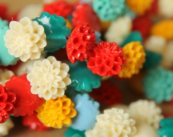 8 pc. Medium Glossy Chrysanthemum Beads 13mm   RES-418