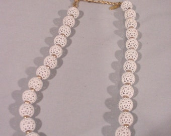Beautiful MONET Necklace Vintage Filigree Metal Balls White and Gold Super!