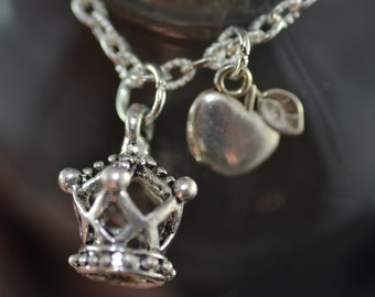 Moriarty necklace, Sherlock, Honey You Should See Me in a Crown, Apple, NS058, Miss Me?
