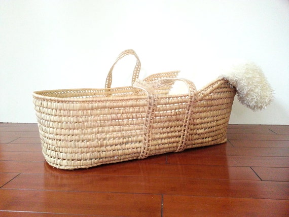 How To Weave A Moses Basket : Baby woven basket moses style bassinet bed photo prop